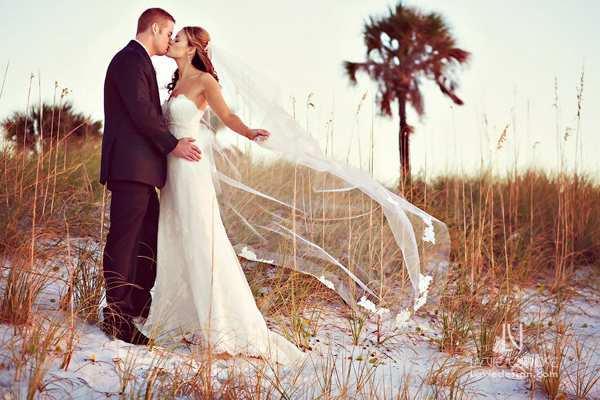 la-vie-en-rose-wedding-bride-groom-hyatt-regency-clearwater-beach-florida