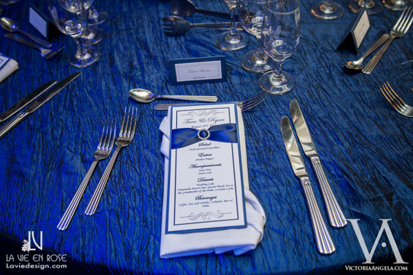 la-vie-en-rose-wedding-reception-blue-menu-card-guest-table-florida-aquarium-tampa