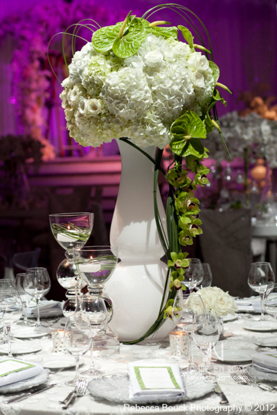 la-vie-en-rose-special-event-jouney-to-love-white-guest-table-modern-centerpiece-ranunculus-hydrangea-green-cymbidium-orchid-anthurium-reception-purple-up-light-tampa-florida