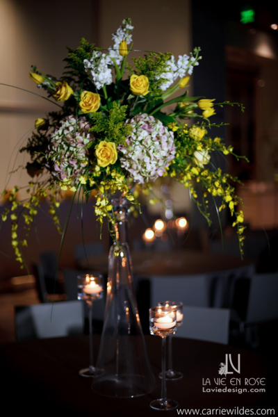 la-vie-en-rose-wedding-reception-tall-centerpiece-white-green-yellow-antique-hydrangea-stock-tampa-museum-of-art-florida
