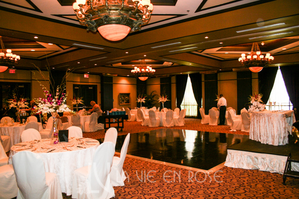 la-vie-en-rose-wedding-reception-guest-table-centerpiece-white-pink-dendrobium-orchid-grand-bohemina-hotel-orlando-florida