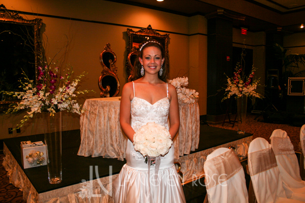 la-vie-en-rose-wedding-bridal-bouquet-phalaenopsis-orchid-willow-grand-bohemina-hotel-orlando-florida