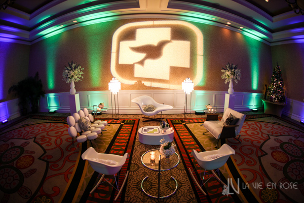 la-vie-en-rose-white-purple-eames-le-chaise-eiffel-rocking-chair-eileen-gray-side-table-mother-of-pearl-floor-lamp-marshmallow-sofa-lounge-furniture-pin-lighting-corporate-party-sandpearl-resort-clearwater-florida-