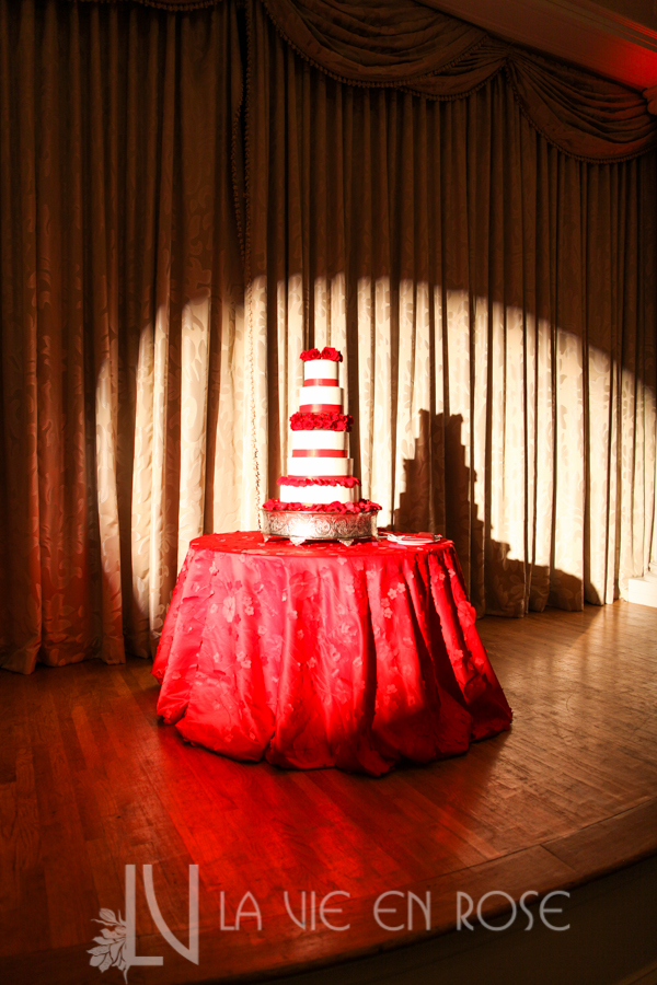 la-vie-en-rose-red-gold-cake-table-spotlight-cymbidium-orchid-stage-vinoy-renaissance-saint-petersburg-resort-and-golf-club-florida