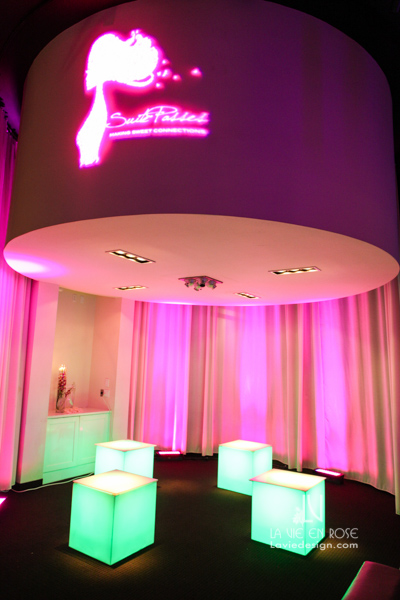 la-vie-en-rose-fuchsia-uplighting-LED-logo-spot-light-cube-furniture-green-suite-passes-grill-one-sixteen-tampa-florida