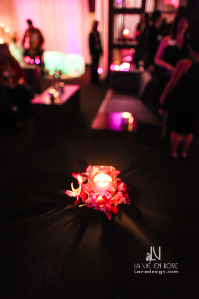 la-vie-en-rose-fuchsia-uplighting-LED-orchid-candle-centerpiece-suite-passes-grill-one-sixteen-tampa-florida