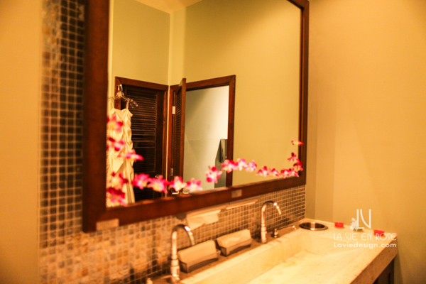 la-vie-en-rose-fuchsia-orchid-bathroom-suite-passes-grill-one-sixteen-tampa-florida