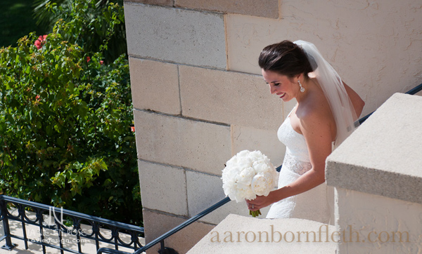 la-vie-en-rose-wedding-ceremony-bride-bridal-bouquet-white-peonie-powel-crosley-estate-sarasota-florida