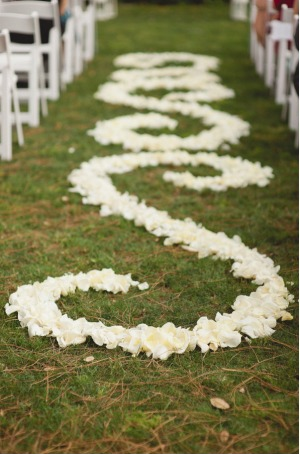 la-vie-en-rose-wedding-white-rose-petals-aisle-design-innisbrook-resort-and-golf-club-palm-harbor -florida