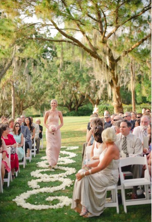 la-vie-en-rose-wedding-white-brides-maids-aisle-petals-design-bouquet-innisbrook-resort-and-golf-club-palm-harbor -florida