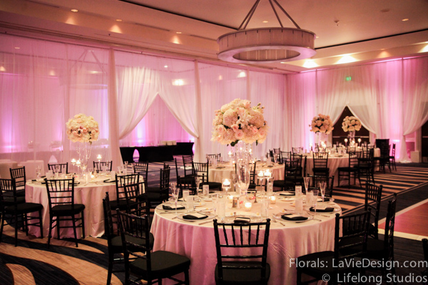la-vie-en-rose-black-glass-centerpiece-hydrangea-sprayrose-candle-wedding-reception-white-blush-pink-crystal-chains-ivory-intercontinental-tampa-florida