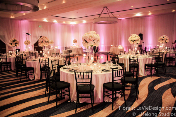 la-vie-en-rose-black-glass-centerpiece-hydrangea-sprayrose-wedding-reception-white-blush-pink-crystal-chains-ivory-intercontinental-tampa-florida