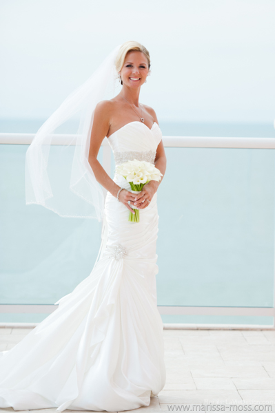 la-vie-en-rose-white-blue-ocean-calla-lily-bridal-bouquet-hyatt-clearwater-beach-florida