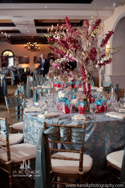la-vie-en-centerpieces-trees-blue-red-reception-avila-golf-and-country-club-tampa-florida