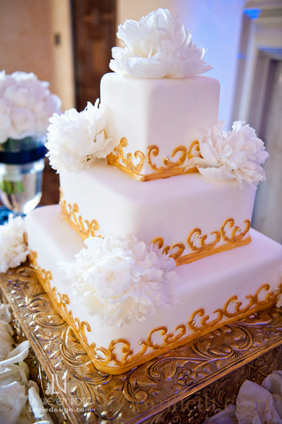 la-vie-en-rose-wedding-white-cake-table-peonie-reception-powel-crosley-estate-sarasota-florida