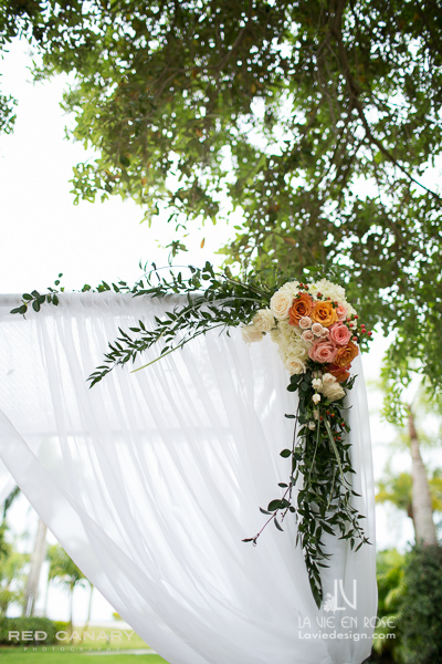 la-vie-en-rose-wedding-ivory-peach-italianruscus-chuppah-draping-safety-harbor-clearwater-florida
