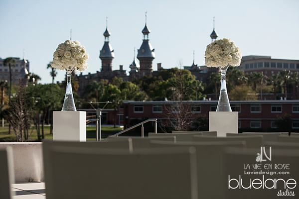 la-vie-en-rose-tampa-museum-of-arts-university-of-tampa-hydrangea-ceremony-flowers-white-tall-florida