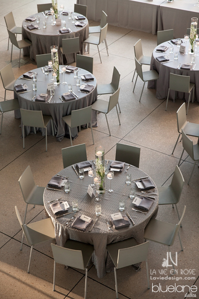 la-vie-en-rose-wedding-reception-tampa-museum-of-fine-arts-centerpiece-grey-floating-candle
