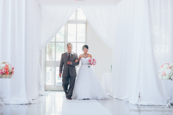 la-vie-en-rose-wedding-ceremony-bride-father-bouquet-drape-the-vault-downtown-tampa-florida