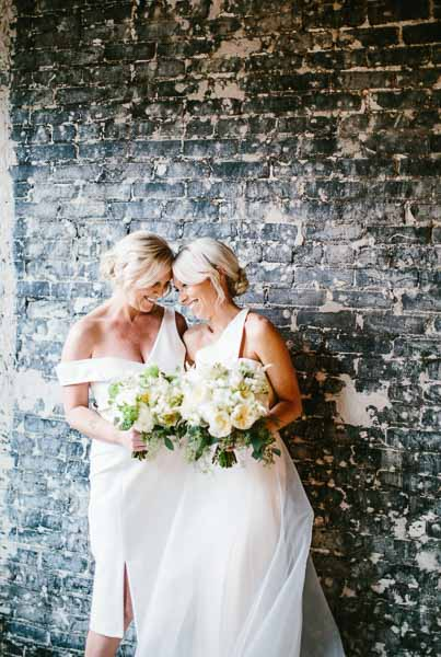la-vie-en-rose-tampa-bay-Florida-wedding-bride-bridesmaid-maid-of-honor-dresses-wedding-love-ceremony-reception-flowers-peonies-garden-roses-white-blooms-trendy-fashion-elegant-The-Oxford-Exchange