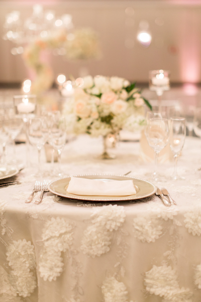 La-vie-en-rose-miami-florida-wedding-gorgeous-reception-centerpiece-white-ivory-blush-hydrangea-tulip-flower-eucalyptus-elegant-ritz-carlton-south-beach