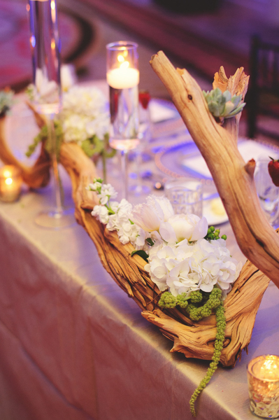 La-vie-en-rose-clearwater-beach-florida-wedding-gorgeous-reception-head-table-garland-white-ivory-green-peony-garden-tulip-flower-succulent-driftwood-elegant-sandpearl