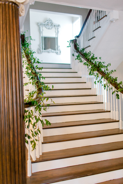 La-vie-en-rose-tampa-florida-wedding-green-garland-staircase-elegant-orlo