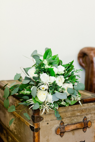 La-vie-en-rose-tampa-florida-wedding-white-garden-flower-eucalyptus-bouquet-elegant-oxford-exchange