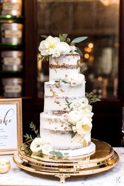 La-vie-en-rose-tampa-florida-wedding-white-garden-eucalyptus-cake-elegant-oxford-exchange